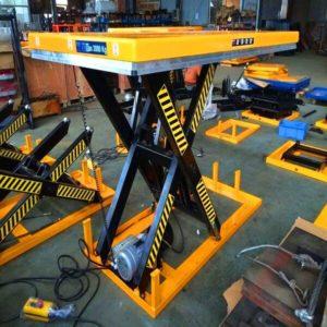 Bàn nâng điện 1 tấn cao 1300mm có sẵn