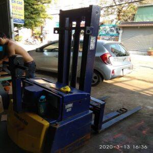 Xe nâng điện cũ Komatsu